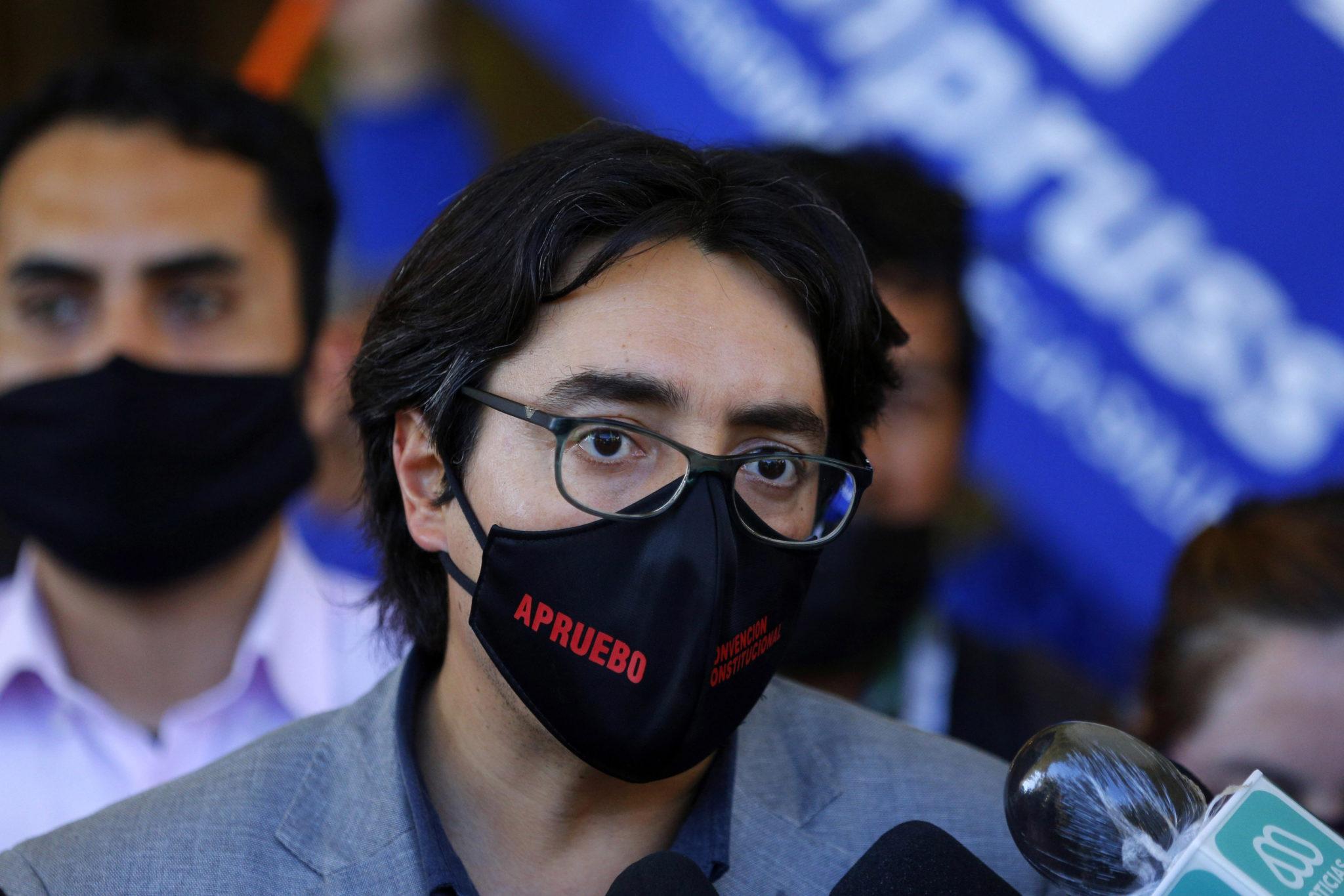 """Senador Latorre: Proyecto de indulto a presos del estallido tiene """"un difícil destino"""""""