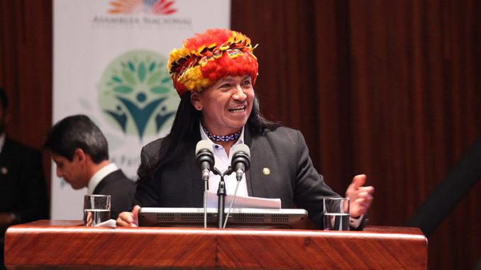 """Carlos Viteri, ex asambleísta de Ecuador: """"El Sumak Kawsay no es un discurso ecologista, es un pensamiento político"""""""