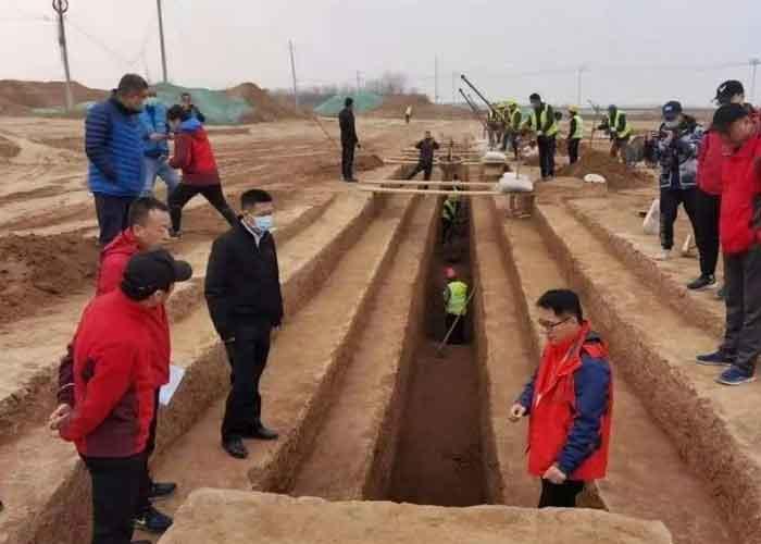 Hallan nuevas tumbas de gran valor arqueológico en construcción de aeropuerto en China
