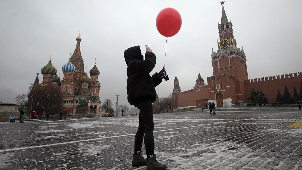Altas médicas superan los nuevos contagios en Rusia por tercer día consecutivo