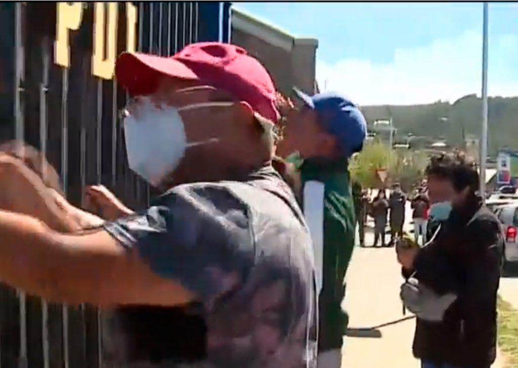 Trasladaron al tío abuelo de Tomás Bravo tras momentos de tensión en cuartel de Lebu