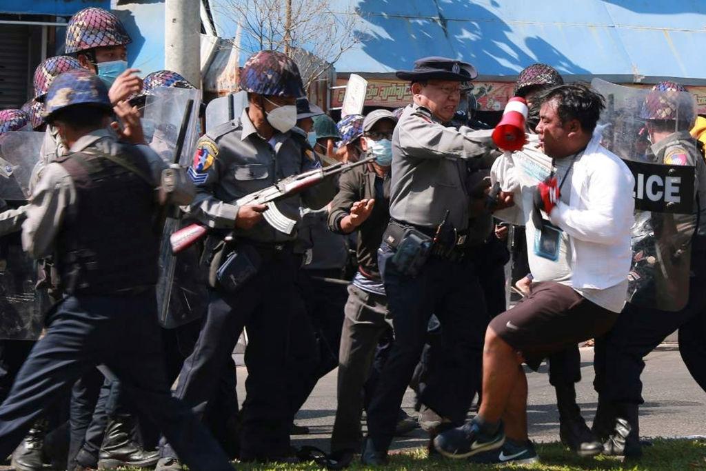 Sangrienta represión contra manifestaciones en Myanmar deja al menos 18 muertos