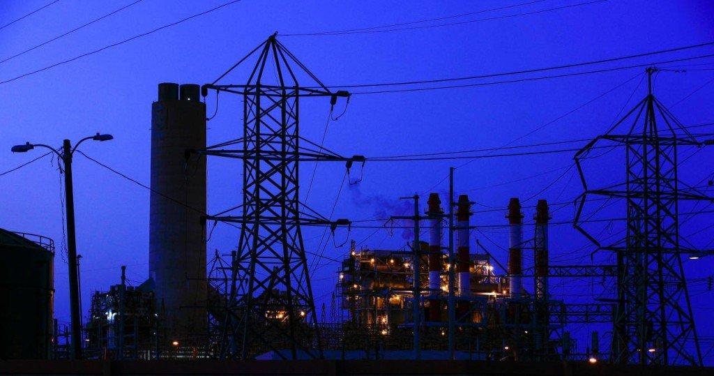 Juez impone nueve sanciones más a empresas que impugnaron la entrada en vigor de la reforma eléctrica mexicana