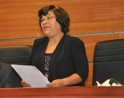 Ministra que quitó arresto domiciliario y dejó libre a carabinero que asesinó a malabarista es madre del jefe del OS7 de Punta Arenas