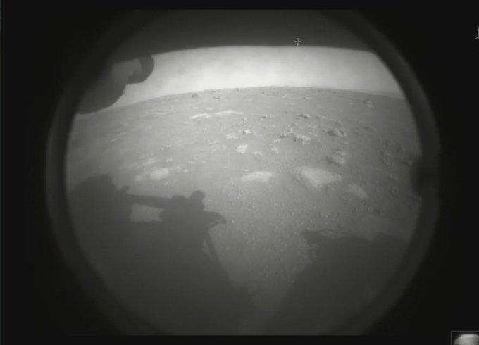 """""""Estoy a salvo en Marte"""": Róver Perseverance aterriza con éxito en el planeta rojo"""