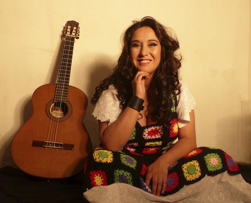 """""""La Chinganera"""" lidera videoclip de cuecas feministas junto a otras dos cantoras chilenas"""