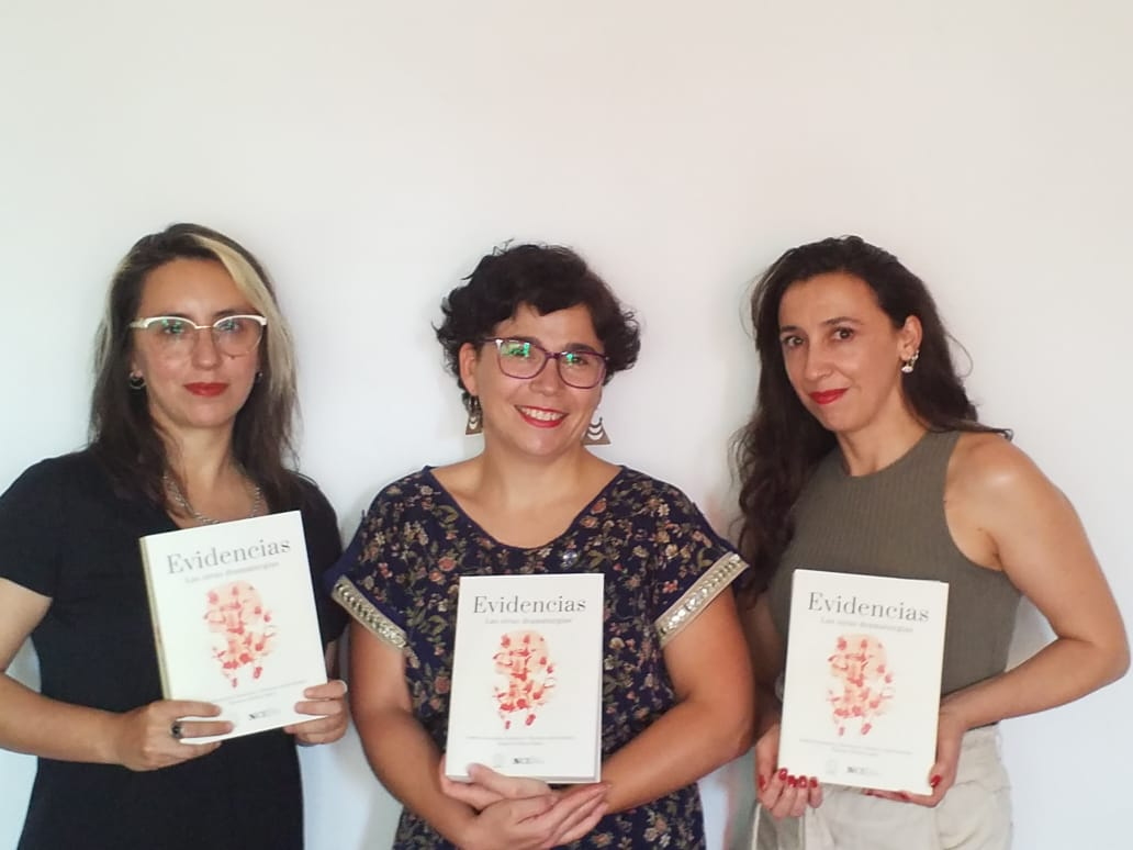 Libro pone en la palestra el legado de doce pensadoras y creadoras del teatro chileno