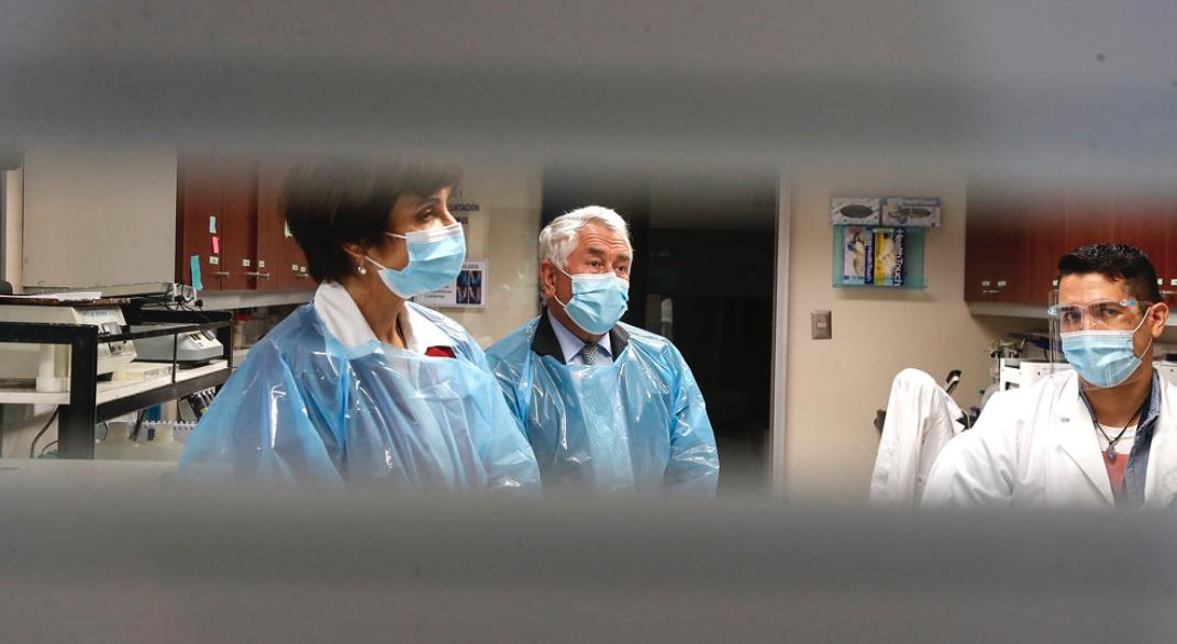 Colegio de Periodistas rechaza instructivo del Minsal que censura a directores de hospitales informar sobre escasez de camas críticas