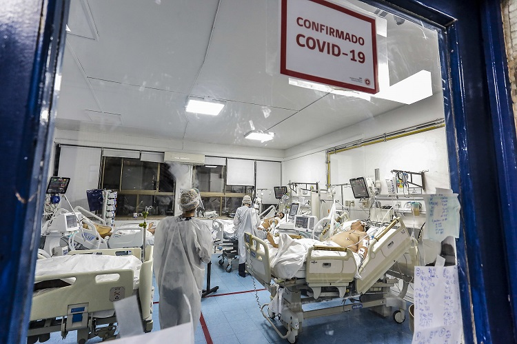 Centros de salud identifican nuevas cepas del COVID y ponen en alerta al equipo médico