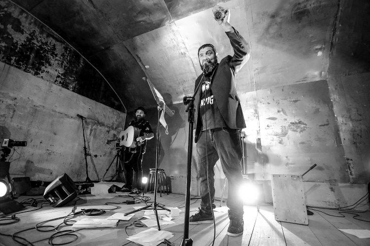 """Walter Contreras y los vientos de libertad: entrevista al creador del proyecto literario-radial """"La Carpa del Diablo"""""""