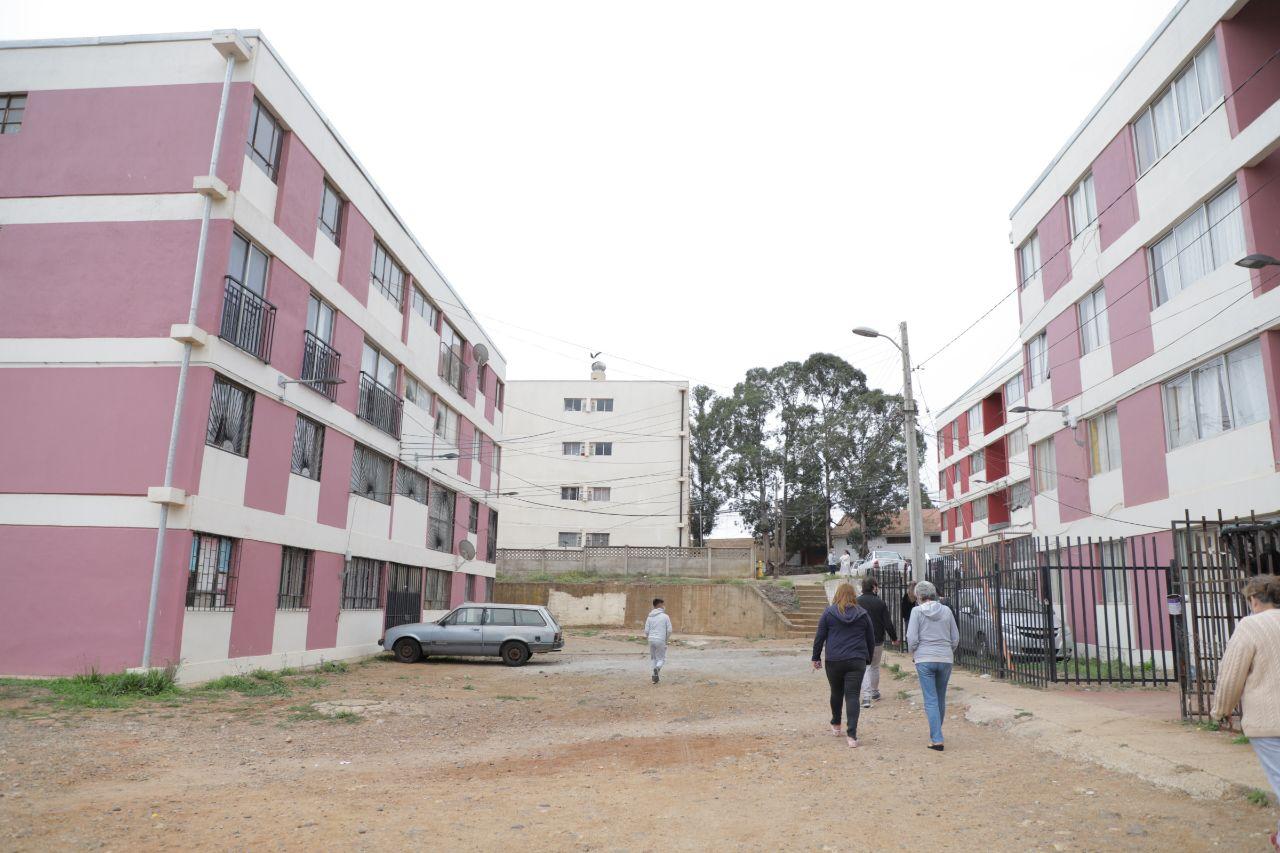 Valparaíso: Más de 370 familias podrán mejorar sus hogares tras adjudicación de 5 proyectos por parte del municipio