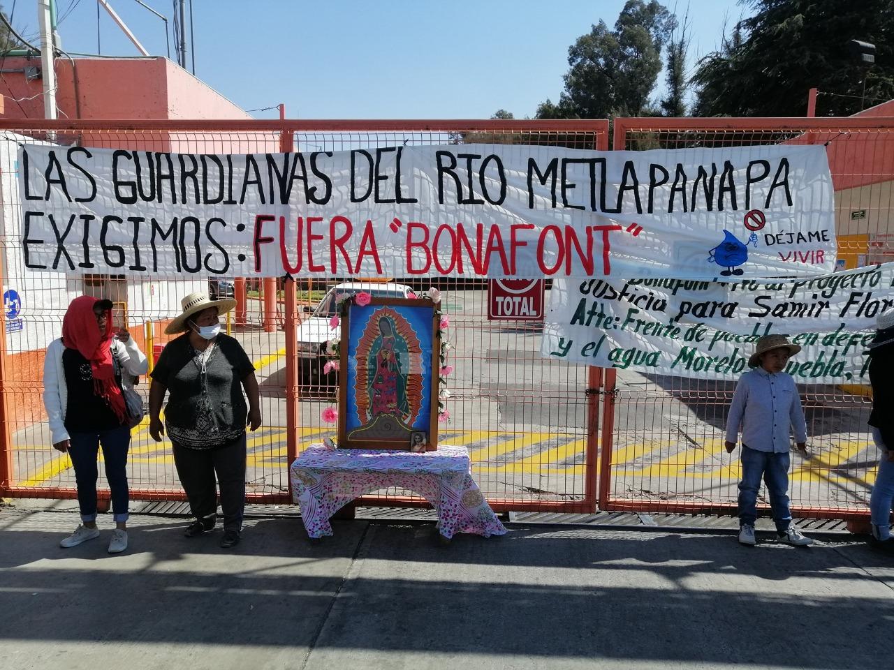 Manifestantes contra Bonafont se deslindan de acusaciones de robo; «la toma de la embotelladora, permanecerá», aseguran