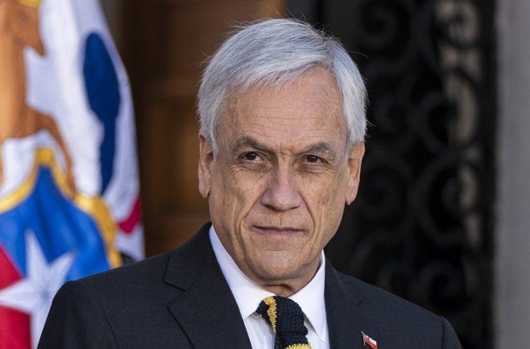 """""""Resolución equivocada"""": remueven nombres de Piñera, Blumel y Rozas en querella por DD. HH."""