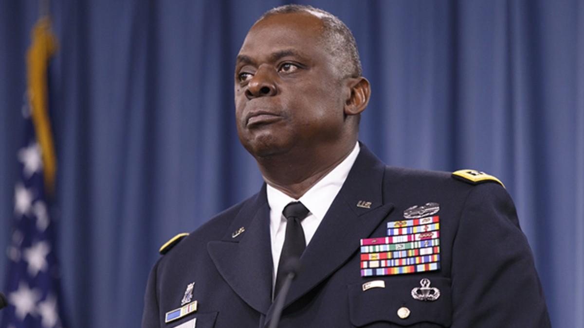Más de 80 exoficiales estadounidenses exigen la dimisión de las autoridades del Pentágono por la «catastrófica» salida de Afganistán