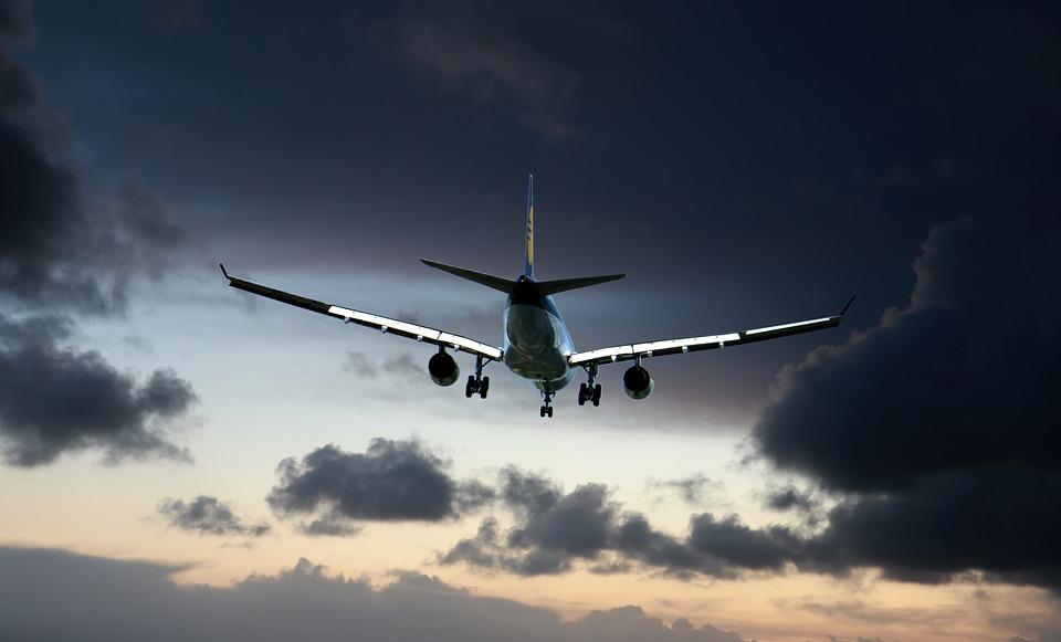 Argentina suspende vuelos desde Brasil, México y Chile por nueva cepa del COVID-19