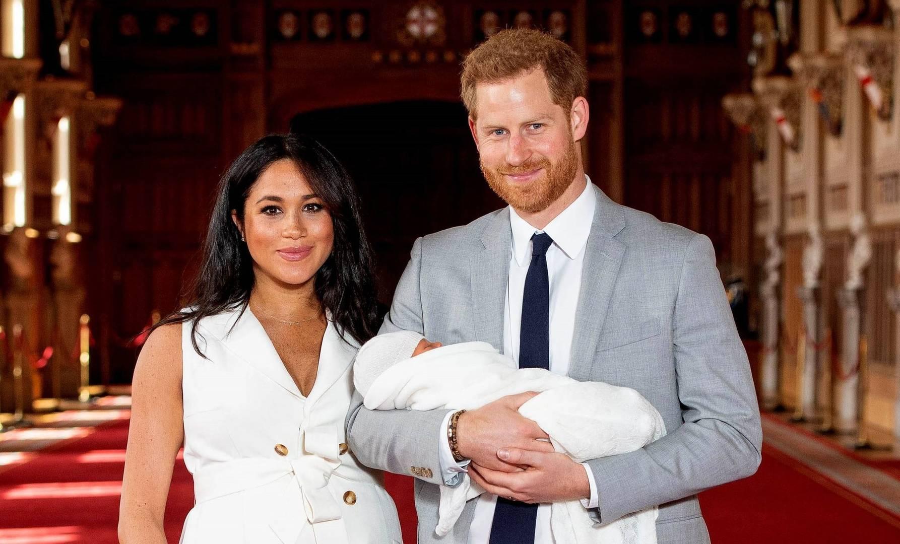 Las «preocupaciones» de la familia real británica de cuán oscura podía ser la piel del hijo del príncipe Enrique y Meghan Markle