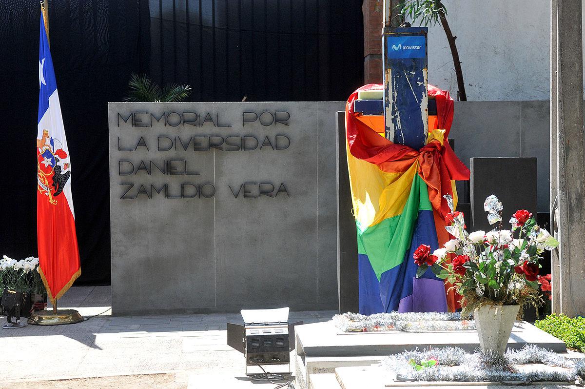 Instalarán placas con nombres de 11 nuevas víctimas fatales de la homofobia y la transfobia en Memorial de la Diversidad