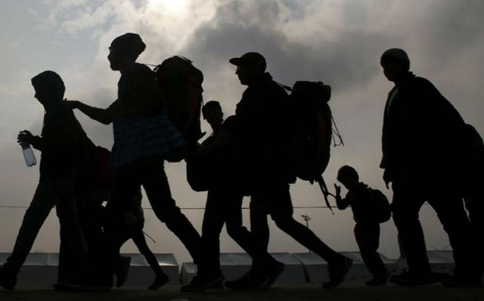 Capturan a 12 migrantes sobre la autopista Puebla-Orizaba