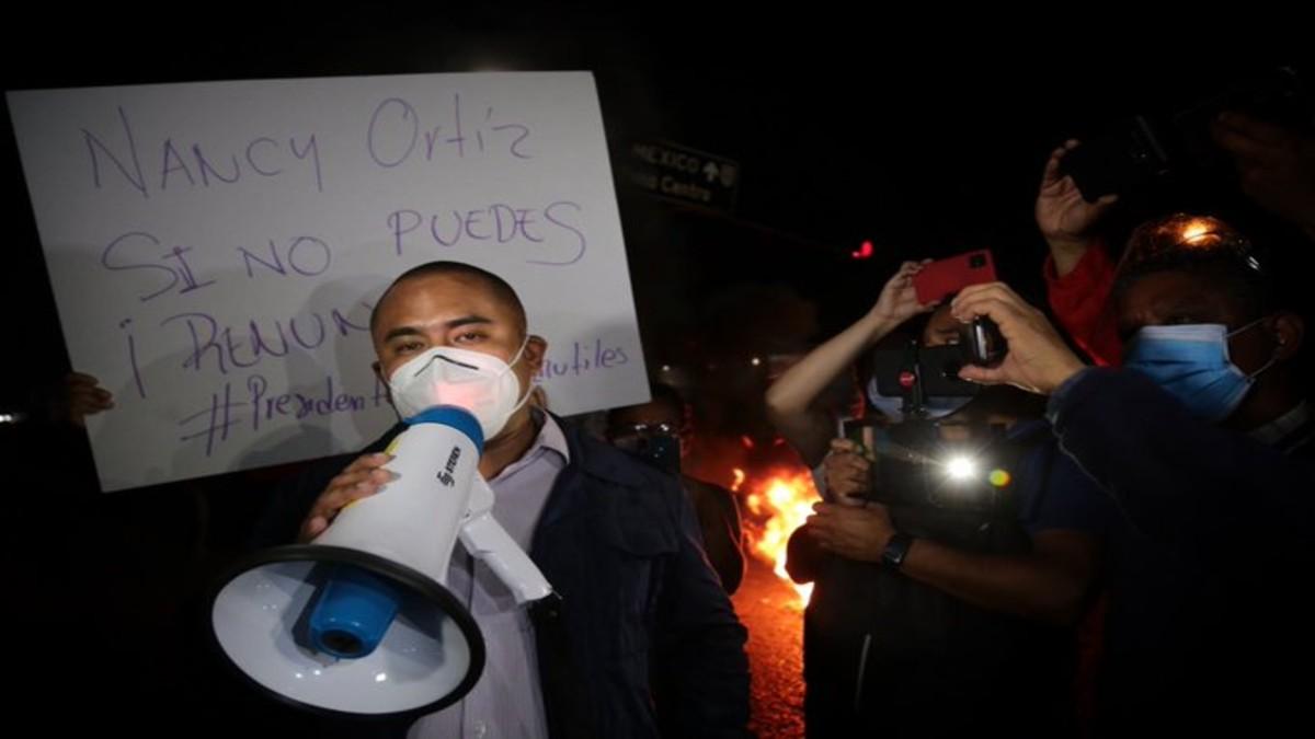 Habitantes de Oaxaca protestan por suspensión de vacunación anticovid