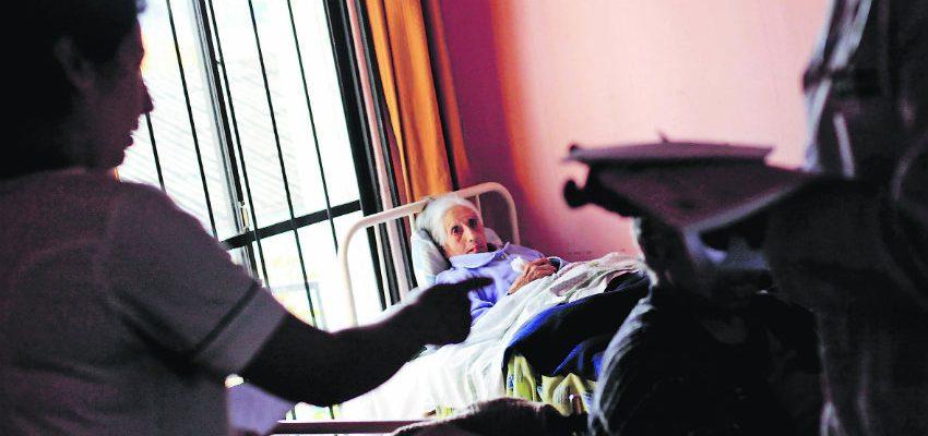 Piden que se establezca un Sistema Nacional de Cuidados para personas dependientes y postradas