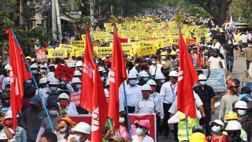 Continúa la represión en Birmania: Ejército disparó nuevamente contra los manifestantes