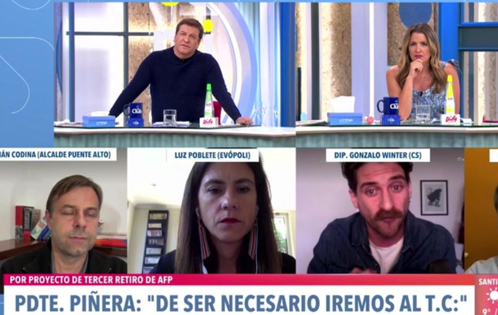 Gonzalo Winter: «Juegan con fuego si van al TC. Piñera se comporta igual que cuando alguien quiere que lo echen con la indemnización. Hace todo lo posible para que lo echen»