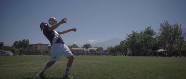 'El Pacha', tecladista de Santaferia, lanza proyecto solista con canción futbolera