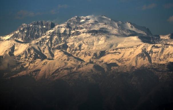 El camino de las máquinas: Fundación ligada a Anglo American y Valle Nevado destruye santuario inca Cerro El Plomo
