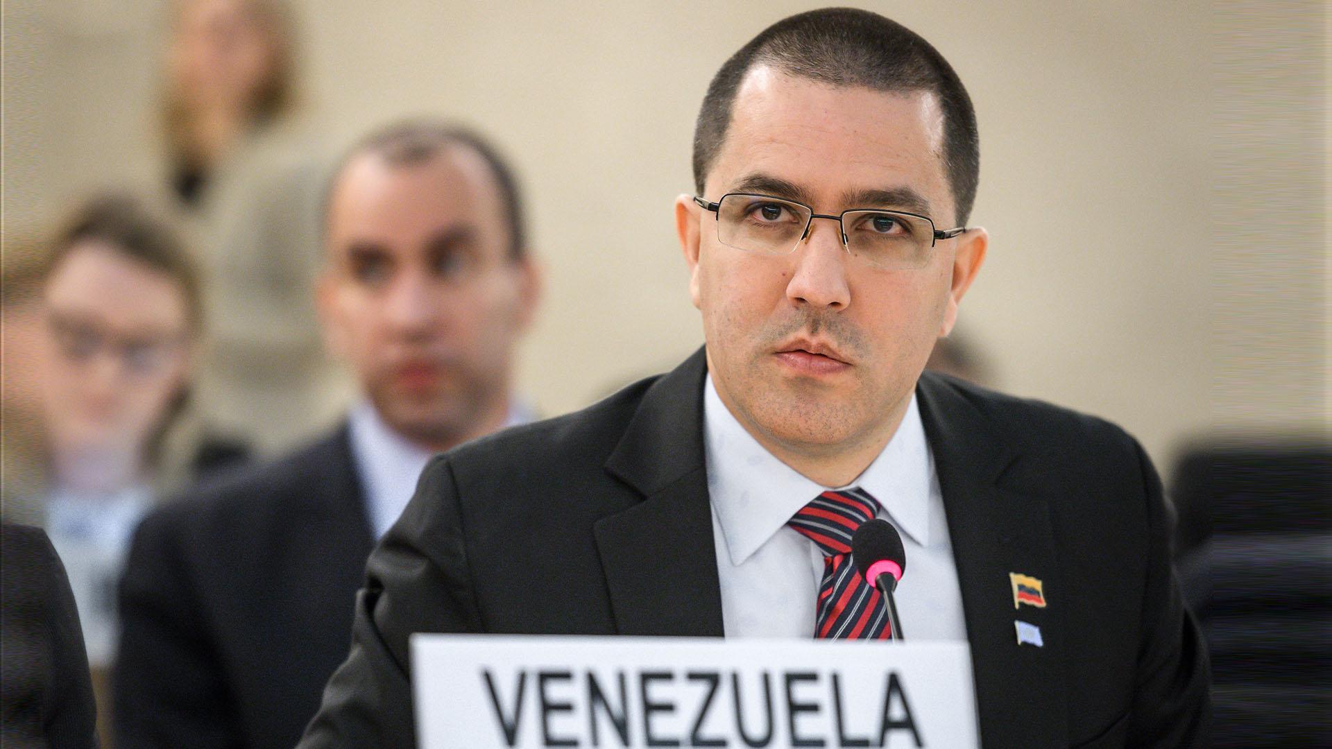 Venezuela exige a Colombia que proteja sus fronteras y «mantenga su guerra lejos de territorio venezolano»