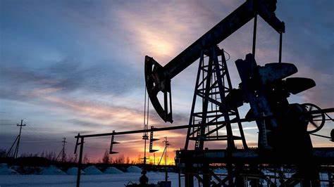 OPEP y aliados acuerdan aumento gradual de producción petrolera entre mayo y julio