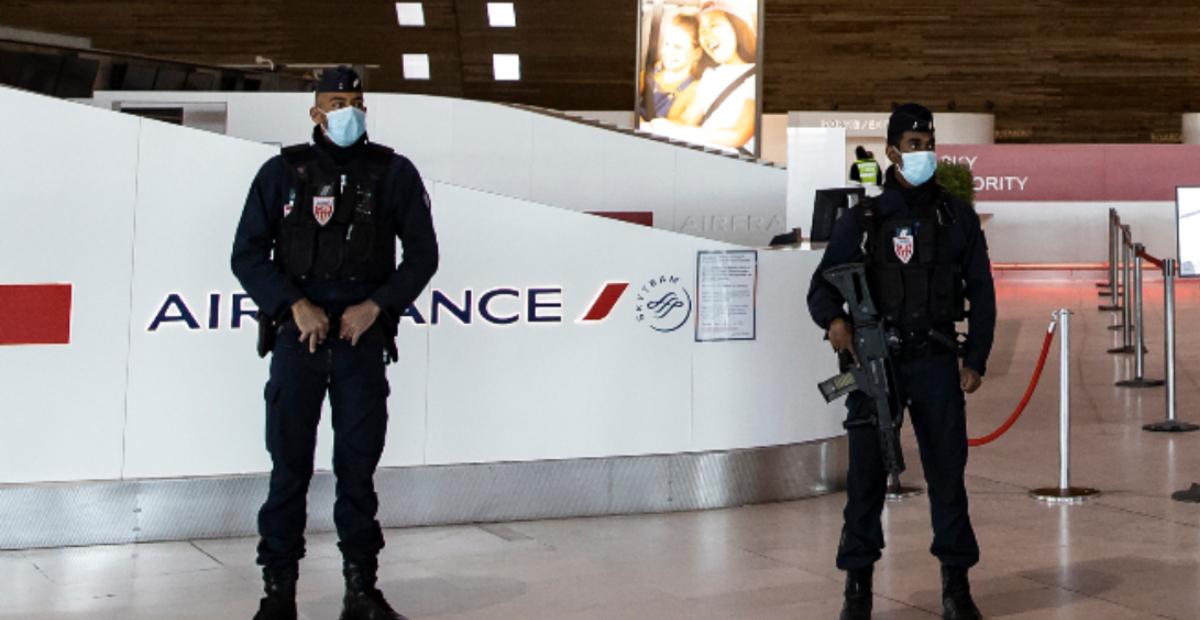 ¡Cuarentena obligatoria! Francia ordena cuarentena de 10 días a pasajeros procedentes de Brasil, Argentina, Chile y Sudáfrica