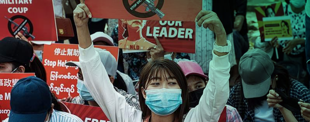 Birmania inician huelgas generales para resistir el golpe militar