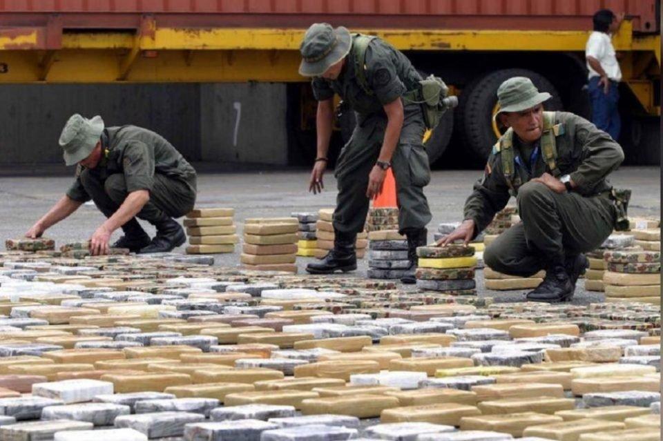 Autoridades venezolanas decomisaron una tonelada de cocaína en costas del país
