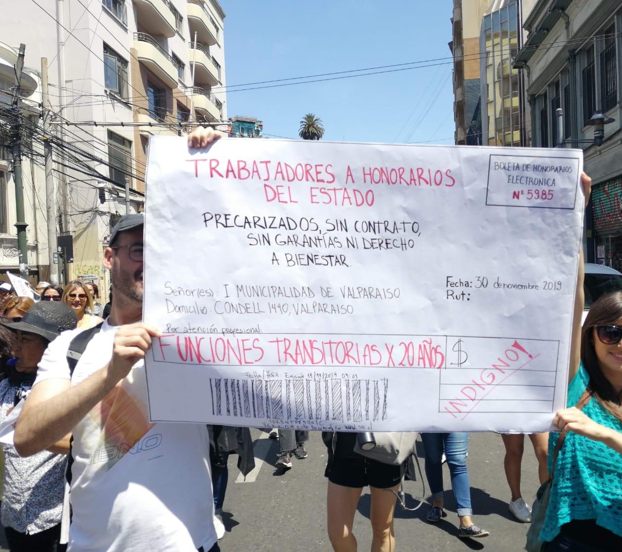 Presentan proyecto para que trabajadores a honorarios reciban su devolución de impuestos sin descuentos obligatorios