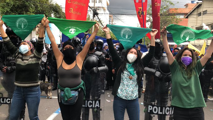Corte Constitucional de Ecuador despenaliza el aborto por violación
