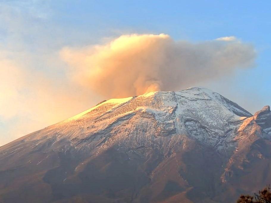 """Tras meses """"dormido"""" se activa volcán Popocatépetl"""