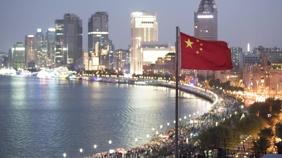 China respalda ley contra sanciones internacionales