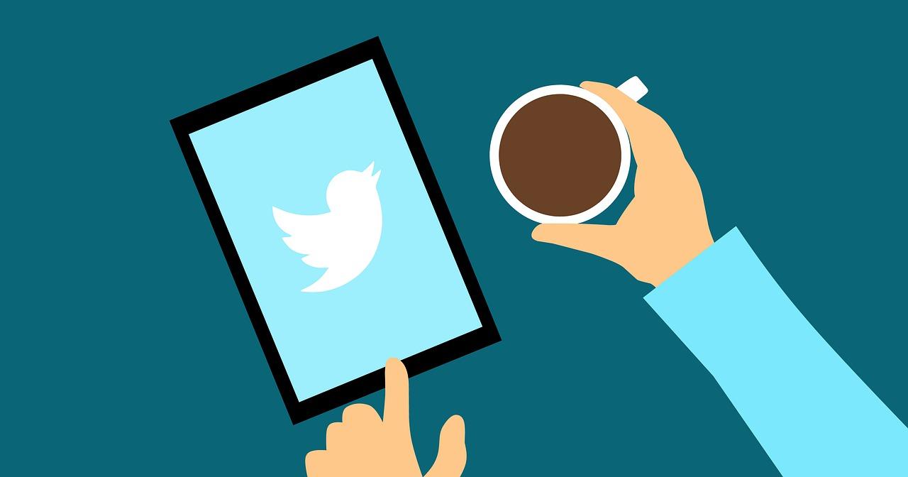 Tuiteratura: ¿rival o aliado de la minificción?