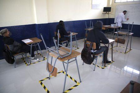 Pide SEP más de 143 mil vacunas para profesores en Puebla