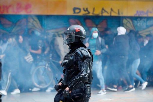 Paro nacional en Colombia: reportan un muerto y denuncian represión del Esmad
