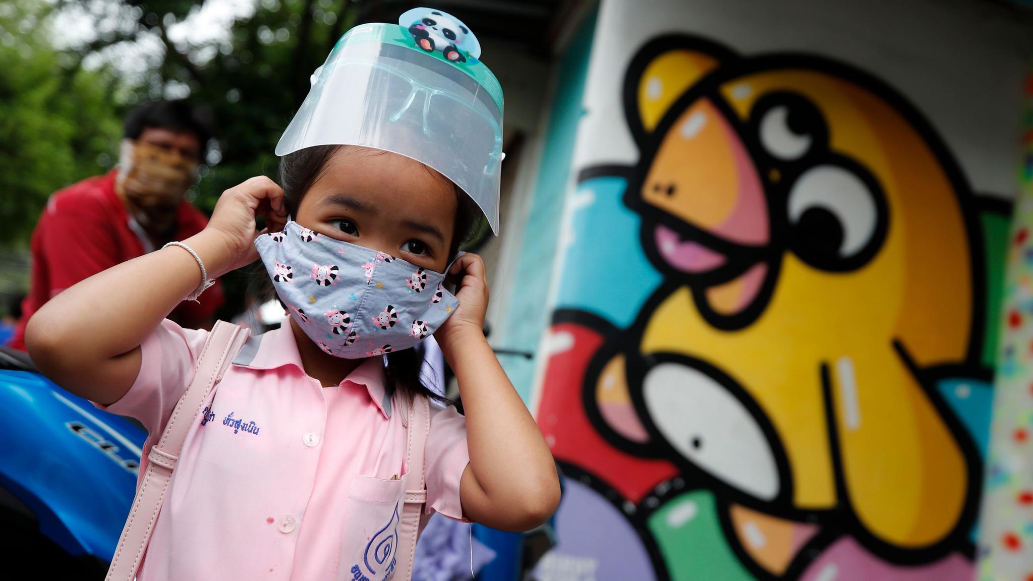 Vacunados, 2 de 22 menores de edad que consiguieron amparos en Puebla