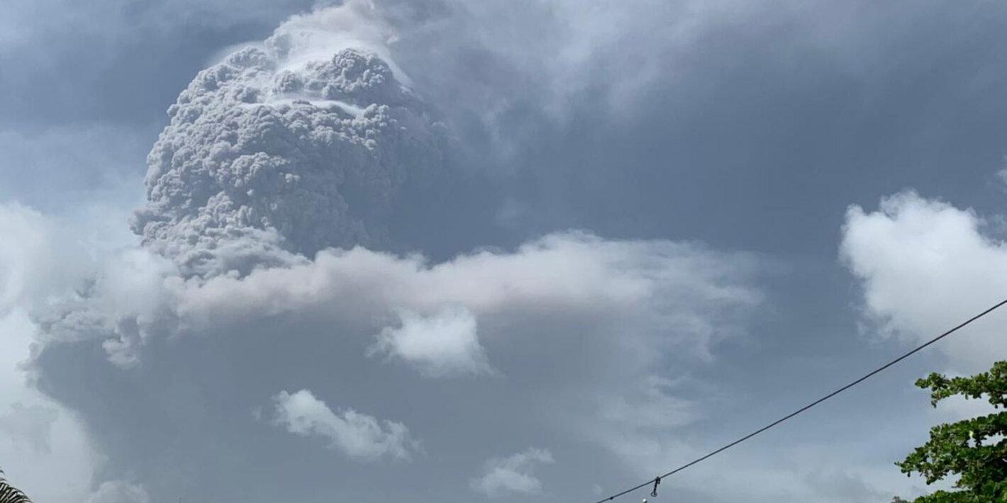Nueva erupción de La Soufriere alarma a las autoridades por posible crisis humanitaria en la región