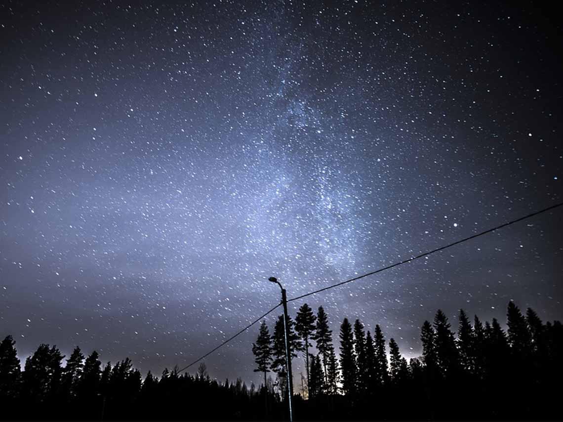 Noche estrellada deleita a desvelados