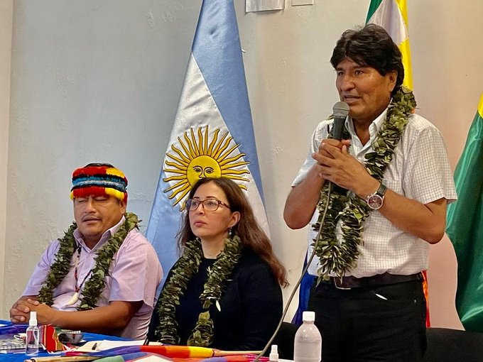 Evo anuncia que convocarán cumbre continental de pueblos indígenas