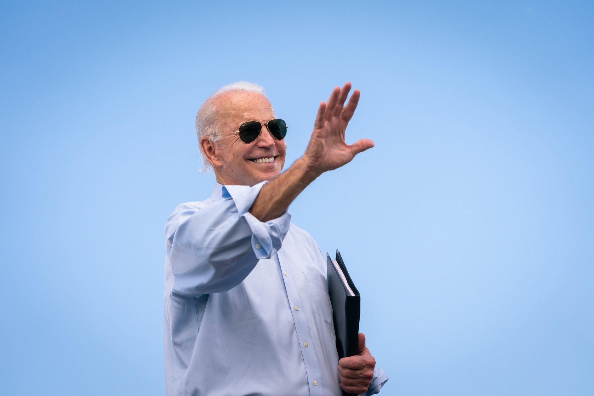 Biden pide al Capitolio aprobar este año una ley para beneficiar a inmigrantes