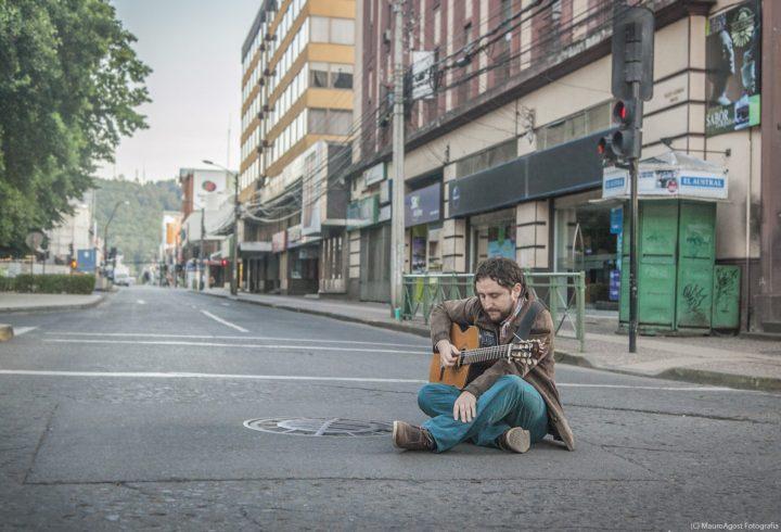 Juanjo Montecinos apunta a los 'haters' de redes sociales con el single «Dejen de Odiar»