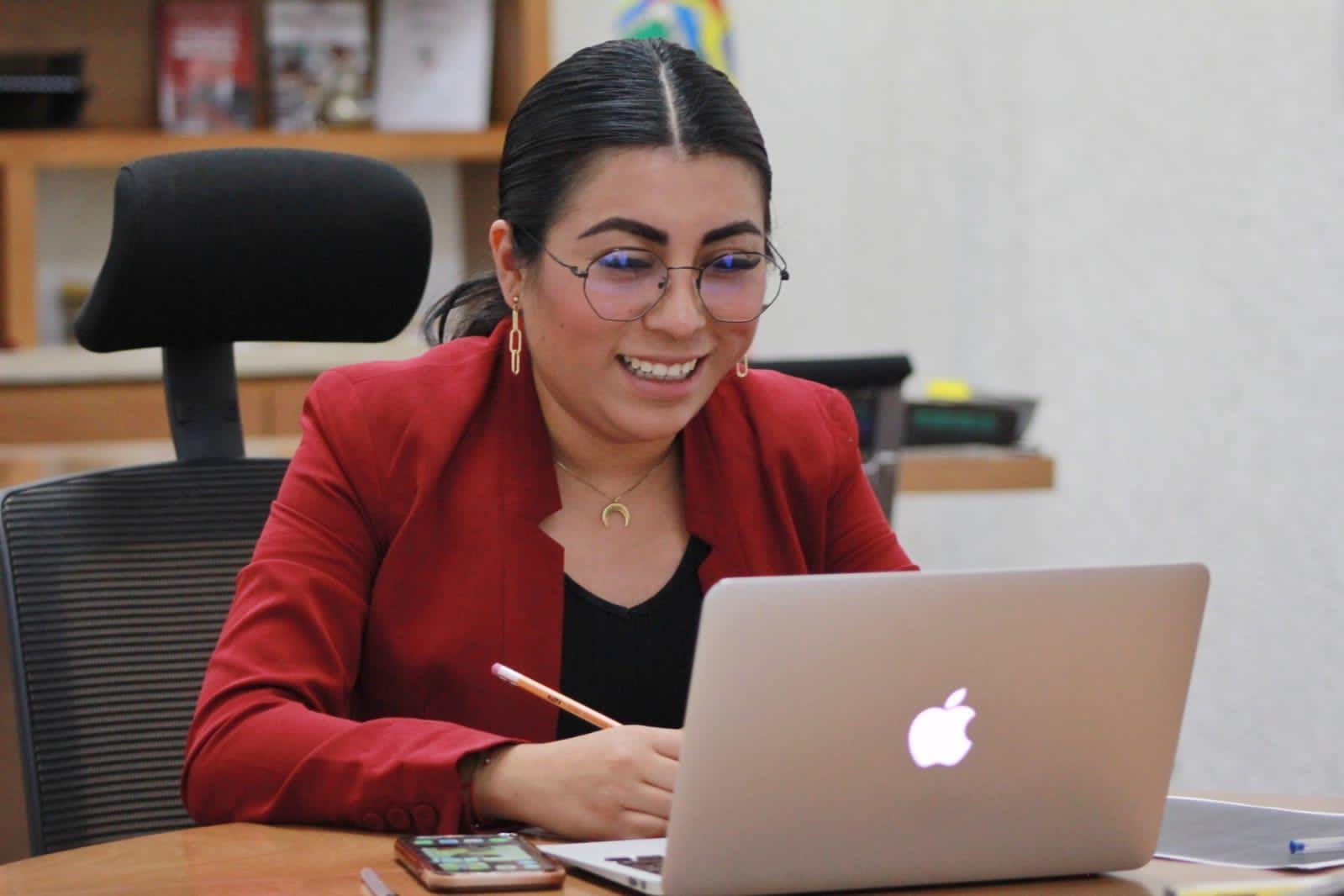 Nora Merino, de desconocida en el PES a presidenta del Congreso y consentida del poder