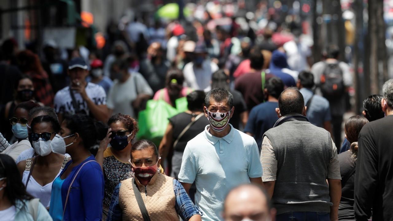 Colegios Profesionales piden a Piñera «acciones concretas» ante alarmante peak de contagios de Covid-19 en el país