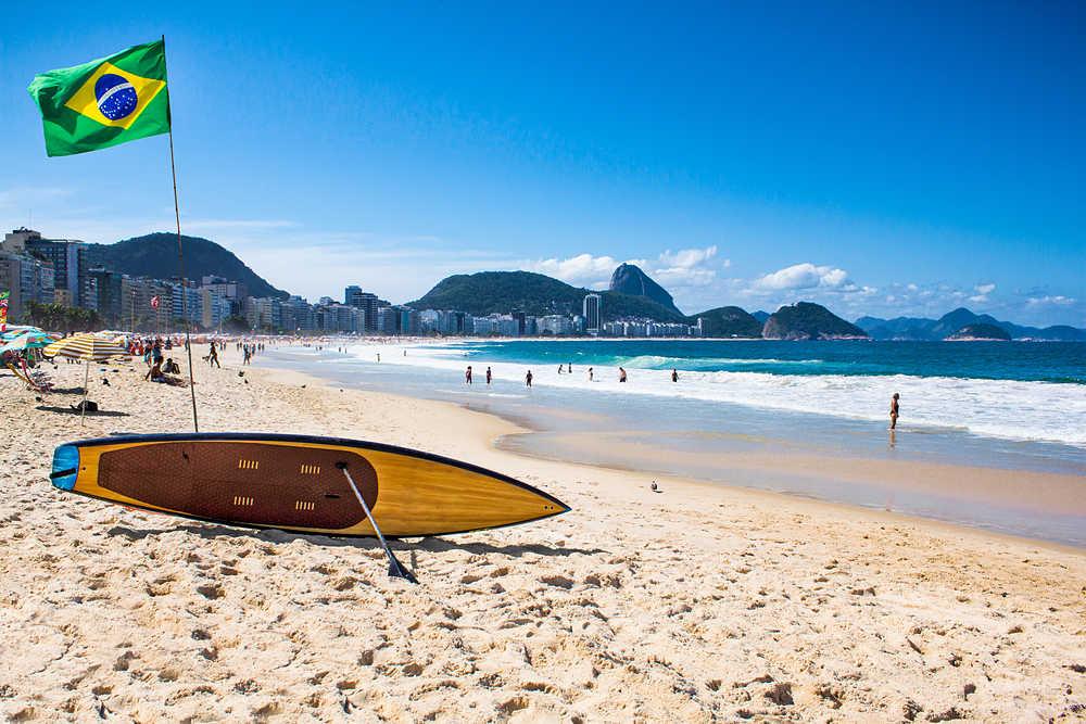 Flexibilizan restricciones: A partir del lunes estarán abiertas las playas de Río de Janeiro