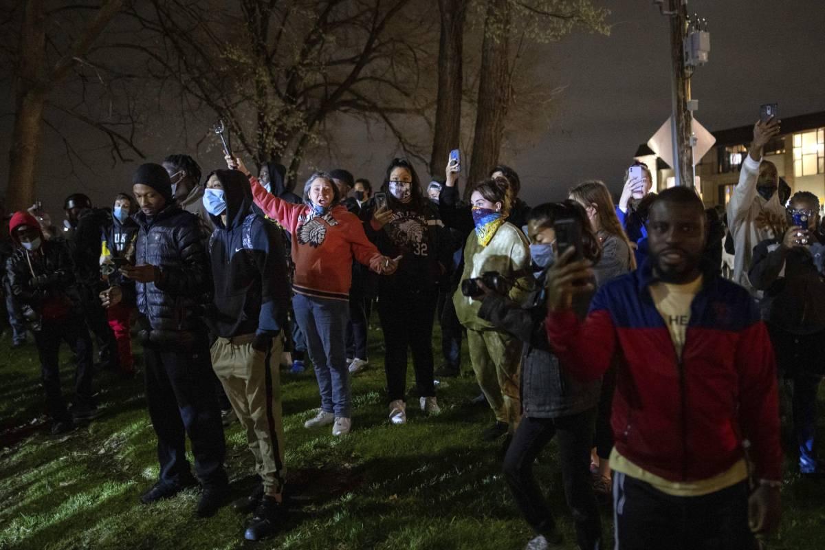 Al menos 24 detenidos en la cuarta noche de protestas en Brooklyn City